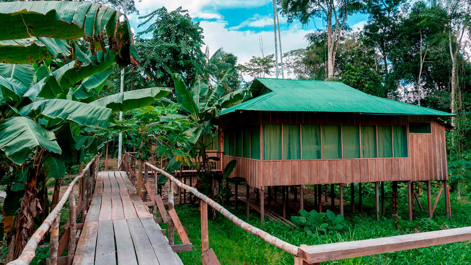 opt-leticia-colombia-amazon-tour-hotel